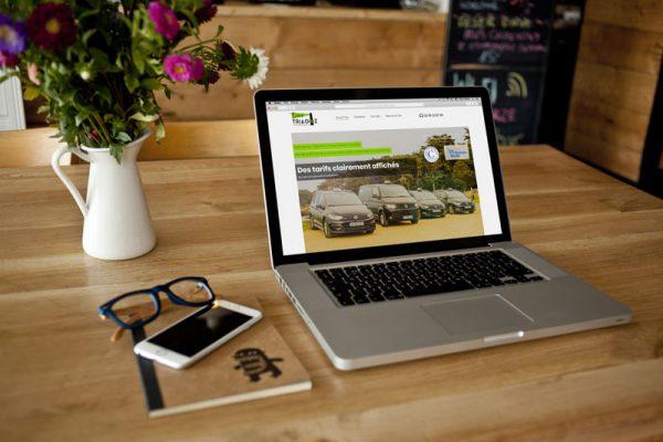 site-web-taxi-mockup